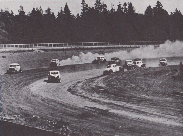 Hard Tops racing at The Acres in 1952 (Stock Report)